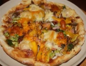 Personal Pizza : cheddar, mozzarella, ham, asparagus, broccoli, onion, mushrooms tomato, peppers